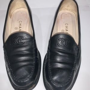 Genuine CHANEL black loafers CC embossed tongue